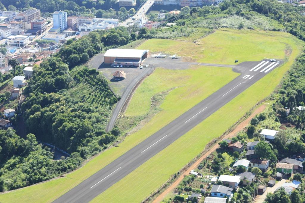 Aeroporto Em Sc : Videira sc alargamento da pista e balizamento noturno